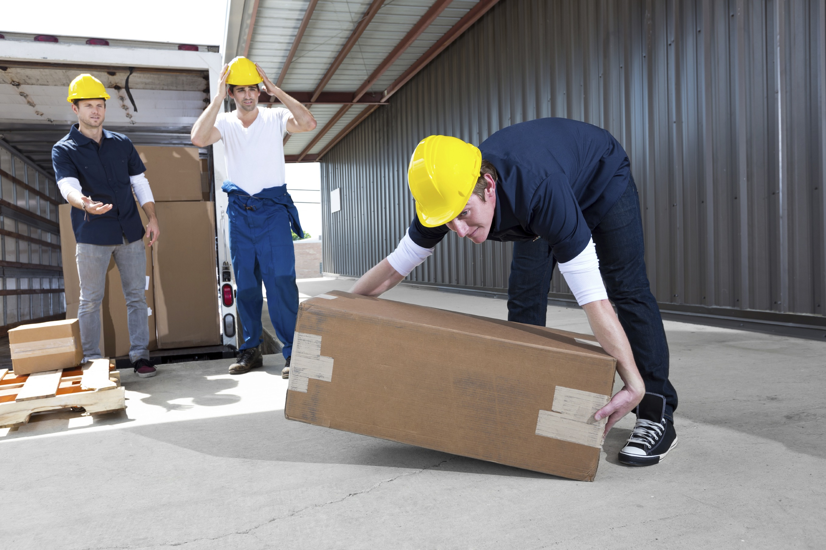 accident at workplace With hundreds of thousands of accidents in workplaces every year, here are 10 common injuries that businesses should watch out for.